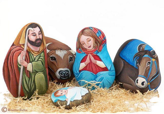 Painted Rock Nativity set by sassidipinti, via Flickr