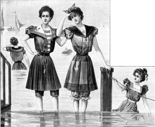 Костюмы шились из темной ткани и отделывались светлой тесьмой. Популярны были матросские воротники и полосатая ткань. Сама отделка и конструкция купальников была очень разнообразна - кокетки, фигурные швы, защипы, рюши, тесьма и складки