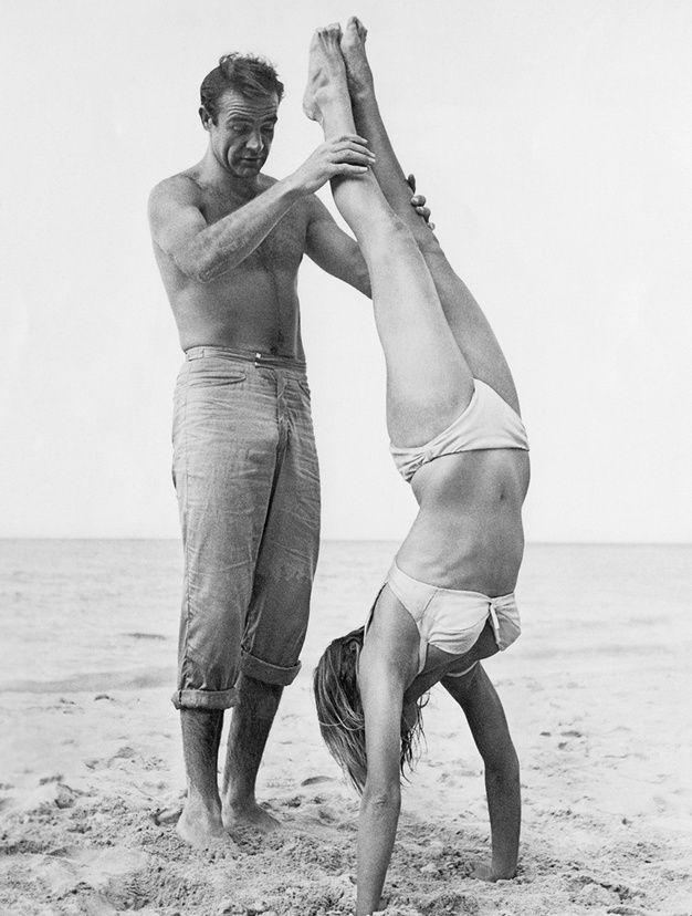 Les couples de stars a la plage - Sean Connery et Ursula Andress
