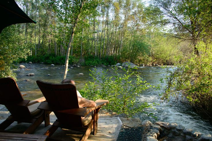 Romantic Weekend Getaway Lodging near Sequoia National Park in Three Rivers CA
