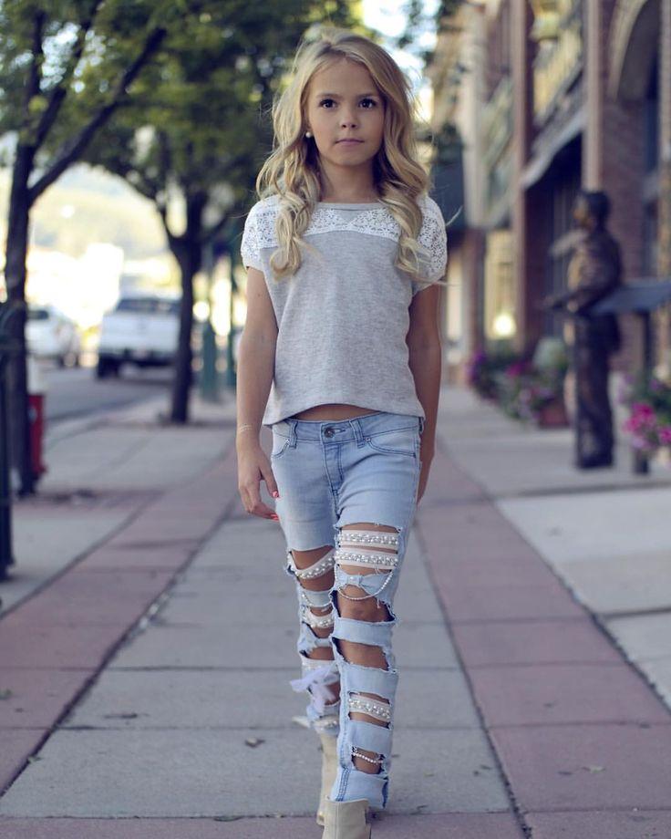 Impresionante look a la moda y a la vanguardia siempre chic #DIVINO