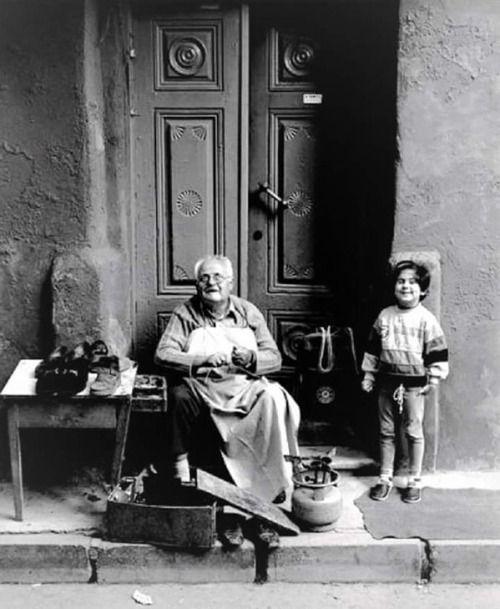 Ayakkabı Tamircisi ve Çocuk #birzamanlar #istanlook #nostalji