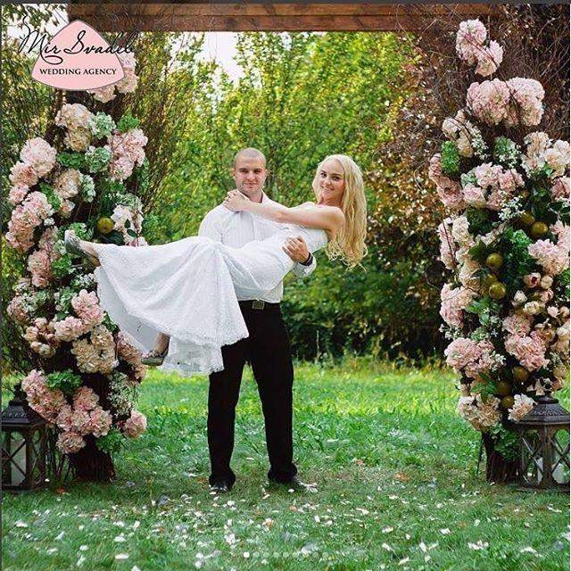 Свадьба в стиле Рустик. Яблочная свадьба. Красивая свадьба. Свадьба на природе. Выездная церемония. Арка на свадьбу. Свадебные арки. Розовая свадьба