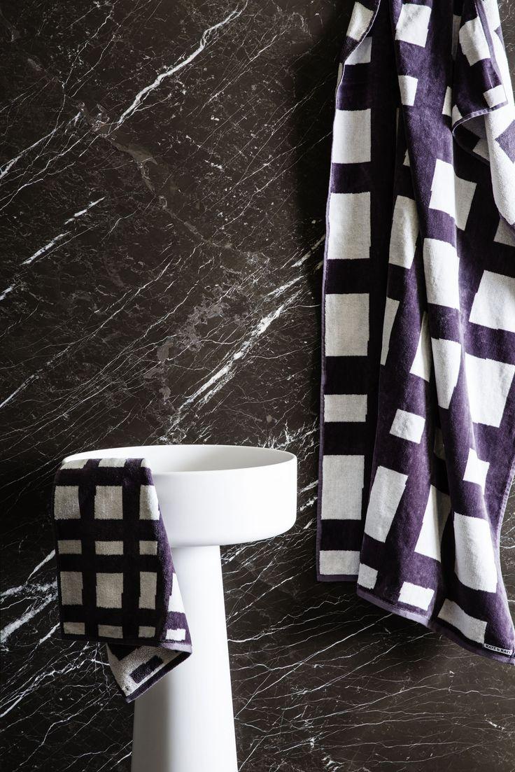 Sea Tangle Bath Sheet & Sea Tangle Hand Towel in Excallbur/Snow White.   Bath Sheet - http://kateandkate.com.au/shop/bath-sheets/sea-tangle-large-towel/  Hand Towel: http://kateandkate.com.au/shop/hand-towels/sea-tangle-hand-towel/