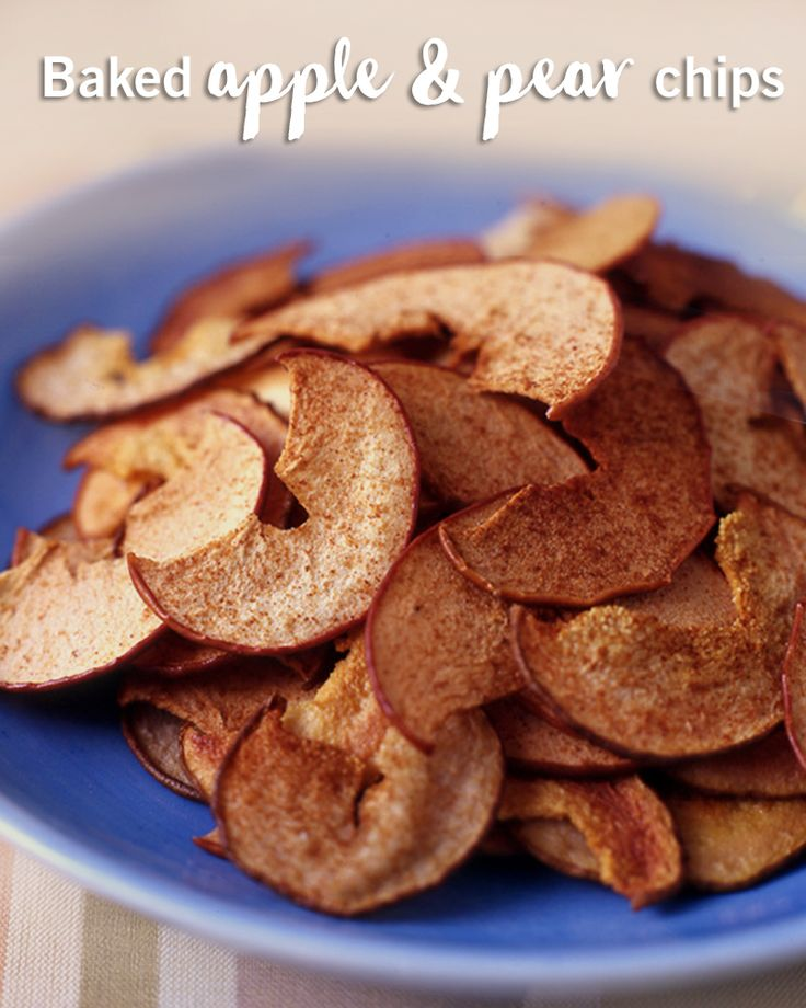 The crunch of chips without the #Smartpoints values of them! These 0 SPV baked apple and pear chips are the perfect afternoon snack. Who knew baked apple chips could taste so good?