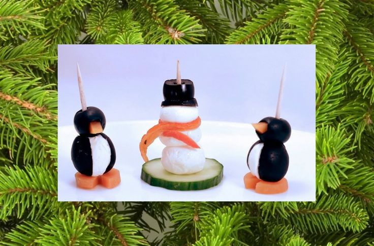 Leuke koolhydraatarme kerst tussendoortjes en feestelijke kerst-snacks, allemaal makkelijk te maken. Kerstbomen, kerst figuren en rood-groene hapjes.