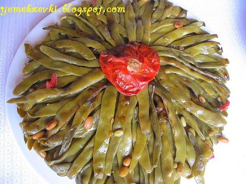 zeytinyağlı fasulye (green beans in olive oil)