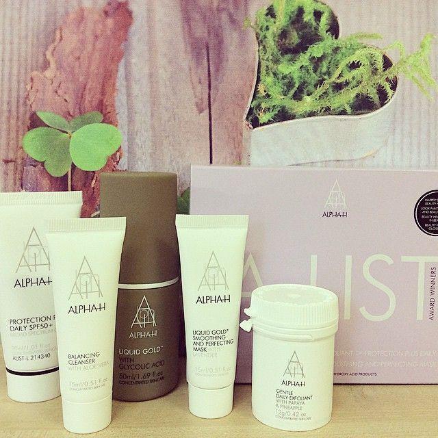 Getaway this winter ️️with Alpha-H A-List Weekender Kit and experience 5 of Alpha's Award winning products for just $39.  Shop now: http://www.absoluteskin.com.au/Alpha-H-A-List-W…/alh-908.htm  #alphahskincare #alphah #weekend #liquidgold #getaway #awardwinning #skincare