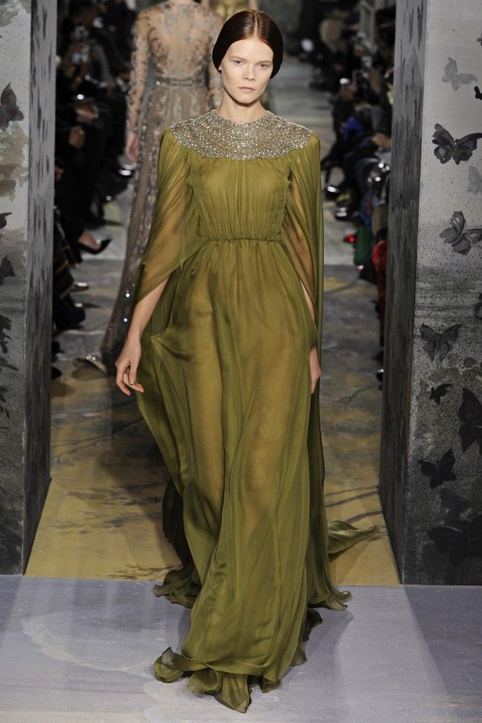 I would LOVE to see Lupita Nyong'o in this Valentino Couture Spring 2014 at the OSCARS! styled by @Micaela Erlanger