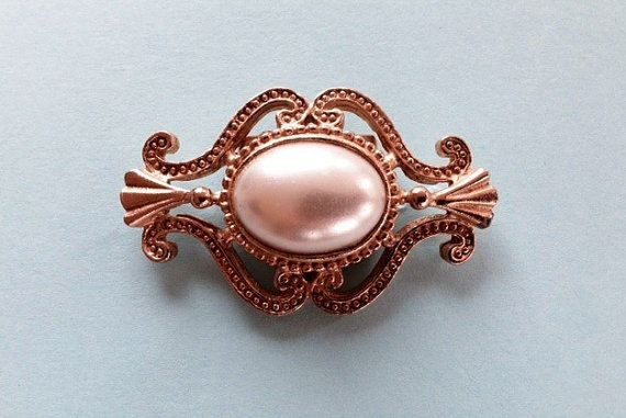 Vintage Decorative Pearl Clip set in gold tone. by 4Seas on Etsy, $18.00