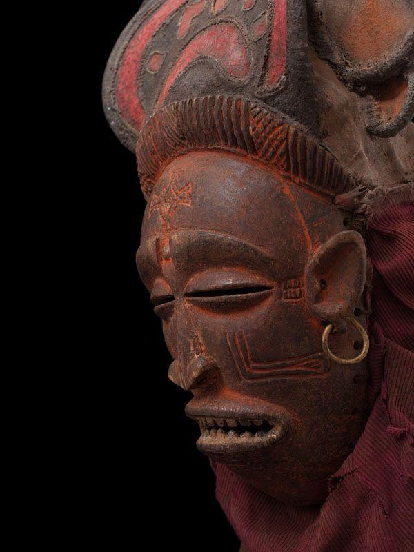 Маска Чикунза племени Чокве, Ангола