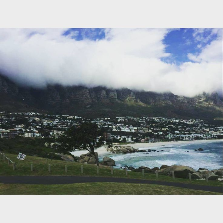 #TravelAdventurer Abhishek catches a glimpse of the beautiful Table Mountain in Cape Town! This iconic landmark is always covered with a blanket of clouds, known as the 'Table Cloth' of Cape Town. #GrabYourDream