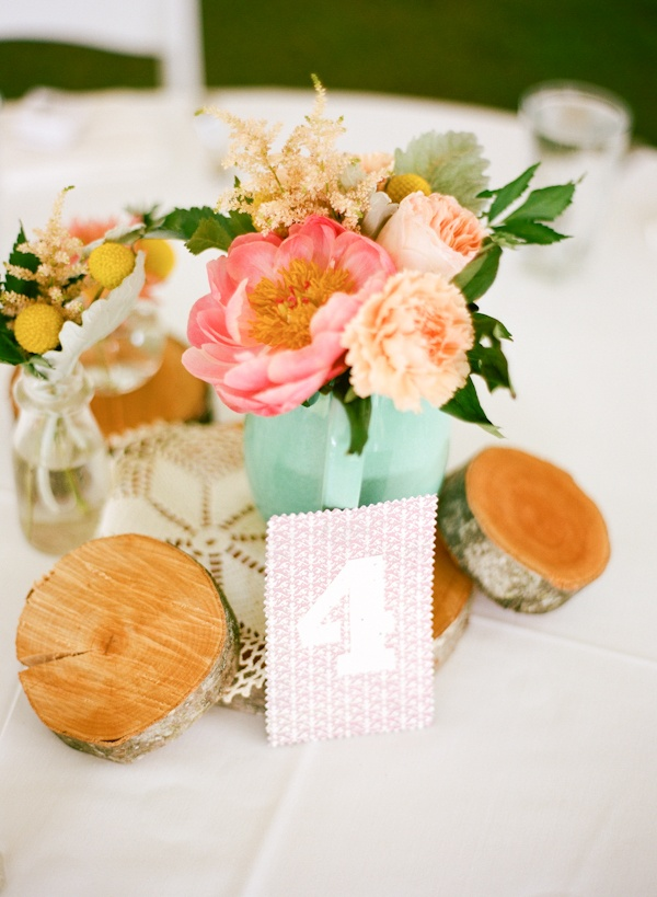 love the mixture of wood and delicate flowers