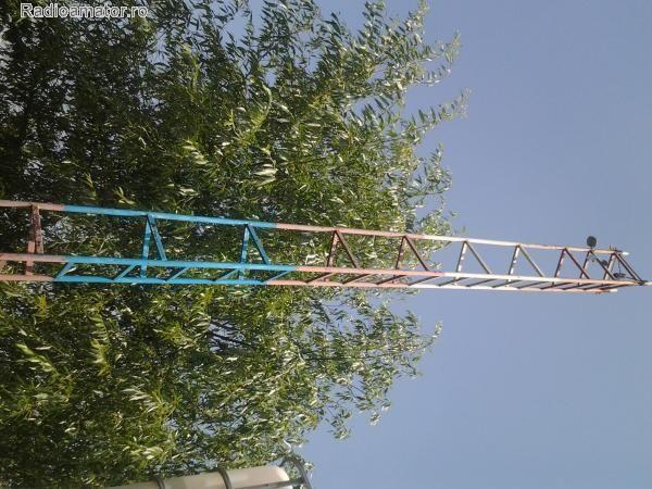 Pilon antena
