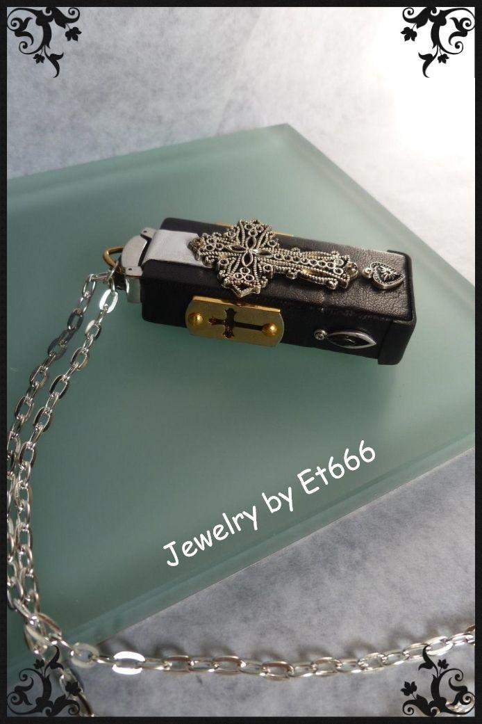 Bijoux créateurs métal cuir . Symbole  etsy.com/shop/LamaisonEt666