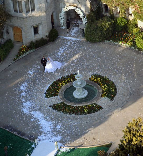 Kendra and Hank wed at the playboy mansion
