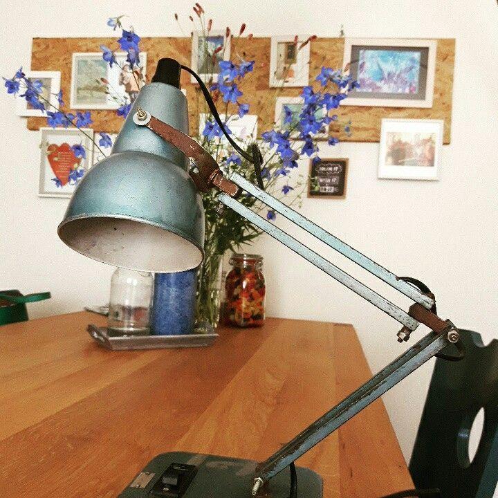 'Nieuwe' vintage lamp gescoord bij een nieuwe ontdekking: Kast van Klaas, aan de Kaasmarkt in Leiden. Blij!