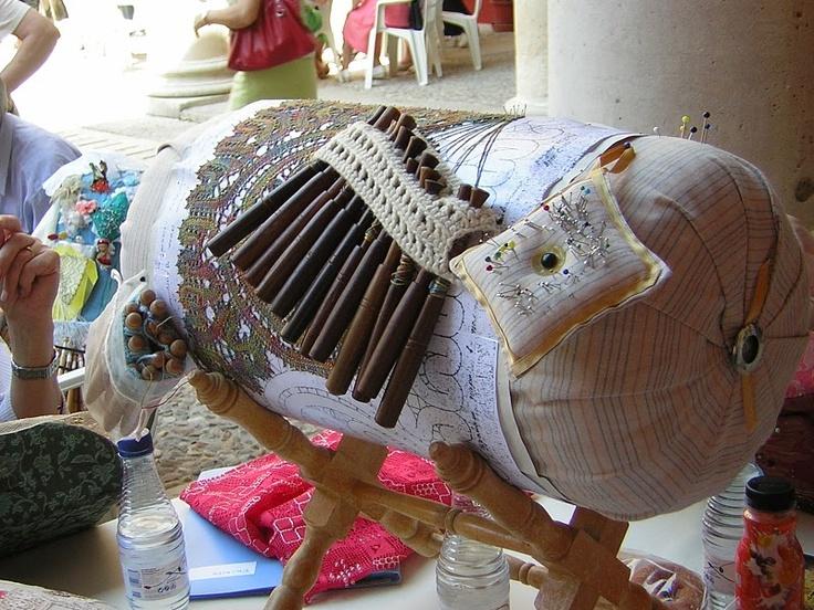 Mundillo de bolillo Bobbin lace pillow - bolster