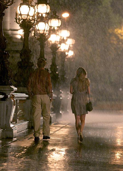 ' Eu prefiro mesmo é caminhar na chuva' Meia Noite em Paris