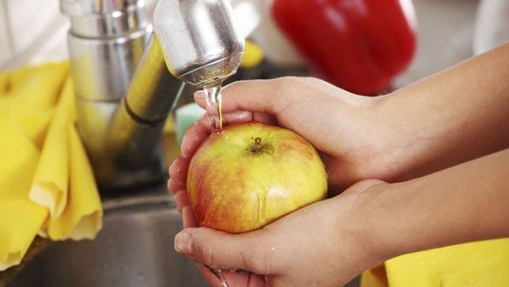 Kupované ovocie nestačí len umyť: Jednoduchý TRIK ho zbaví chemikálií