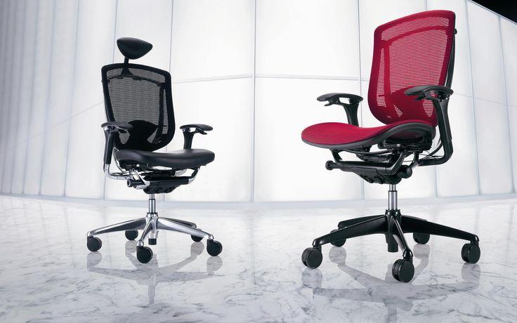 Contessa Okamura Contessa, een bureaustoel van PLAN@OFFICE ontworpen door Giugiaro Design.