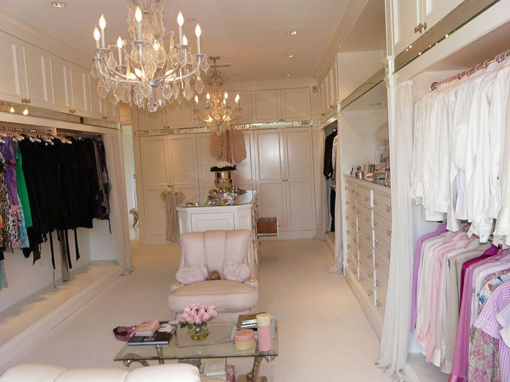 50 Beverly Park  Beverly Hills CA  The Agency  Closet