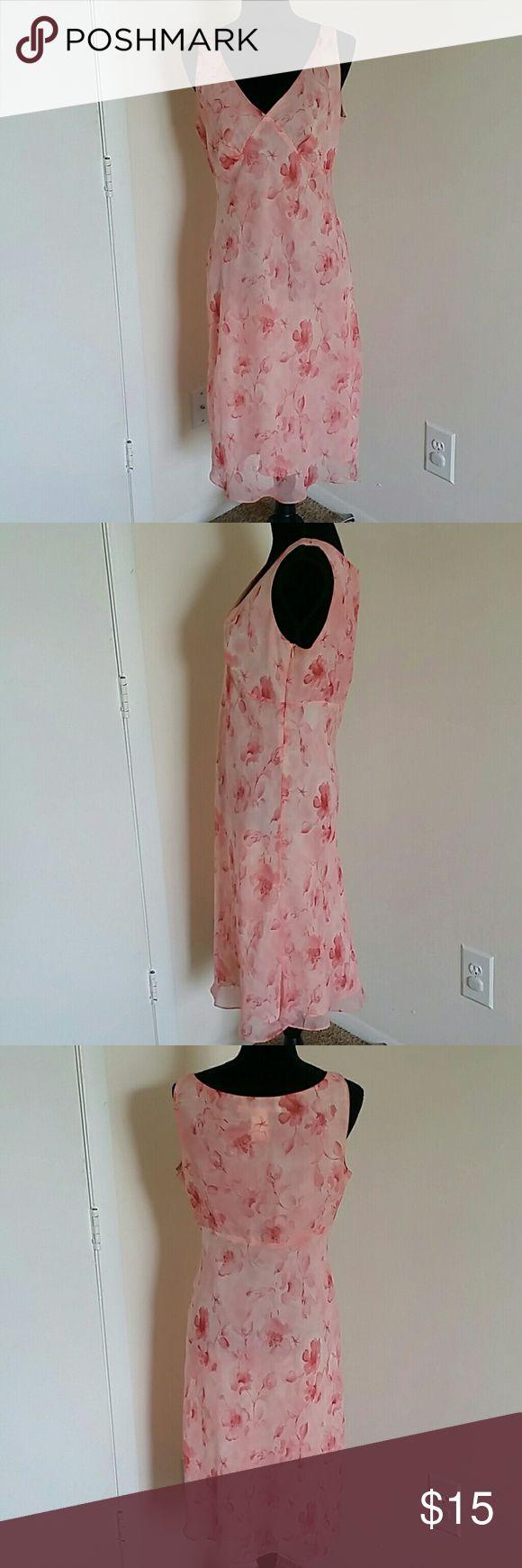 Max Studio Size 12 Sleeveless Pink Chiffon Floral Max Studio Size 12 Sleeveless Pink Chiffon Floral Dress Fully Lined Knee Length Max Studio Dresses Midi