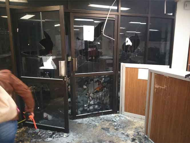 Maestros incendian oficinas gubernamentales en Chiapas - http://www.notimundo.com.mx/estados/oficinas-gubernamentales-chiapas/