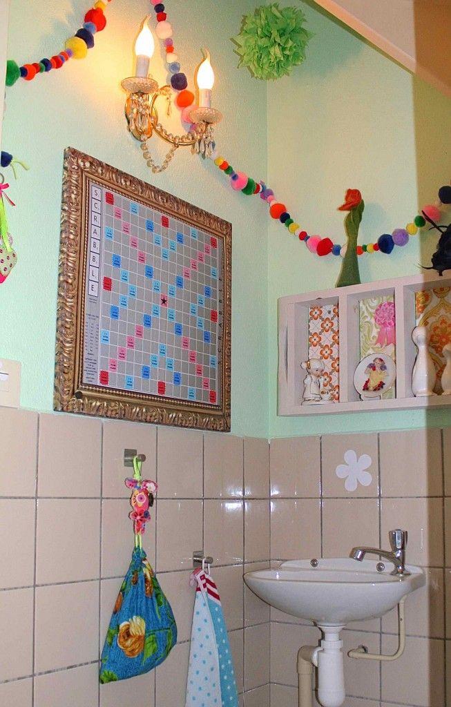 Voor de styling van de toilet van Janneke en Sebastiaan heb ik een magnetisch scrabble-bord gemaakt. Leek mij een leuk grapje als je zoveel wordfeud speelt…. Samen met Canvascompany hebben we een mooie afbeelding van het scrabble bord gemaakt en daar een mooie gouden schilderijlijst omheen gezet. Wil je dit ook thuis? Do-It-Yourself… in 10...Continue reading »
