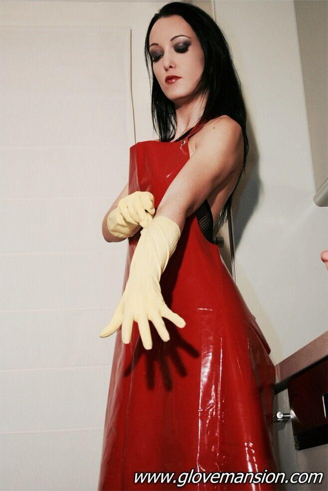 PVC apron | Frauen mit Schürzen | Handschuhe, Latex und ...