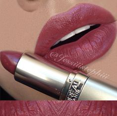 "✨LIPSWATCH✨ Love this color for a neutral Fall lip! L'Oreal ""Spiced Cider"" Lipstick •no lipliner"