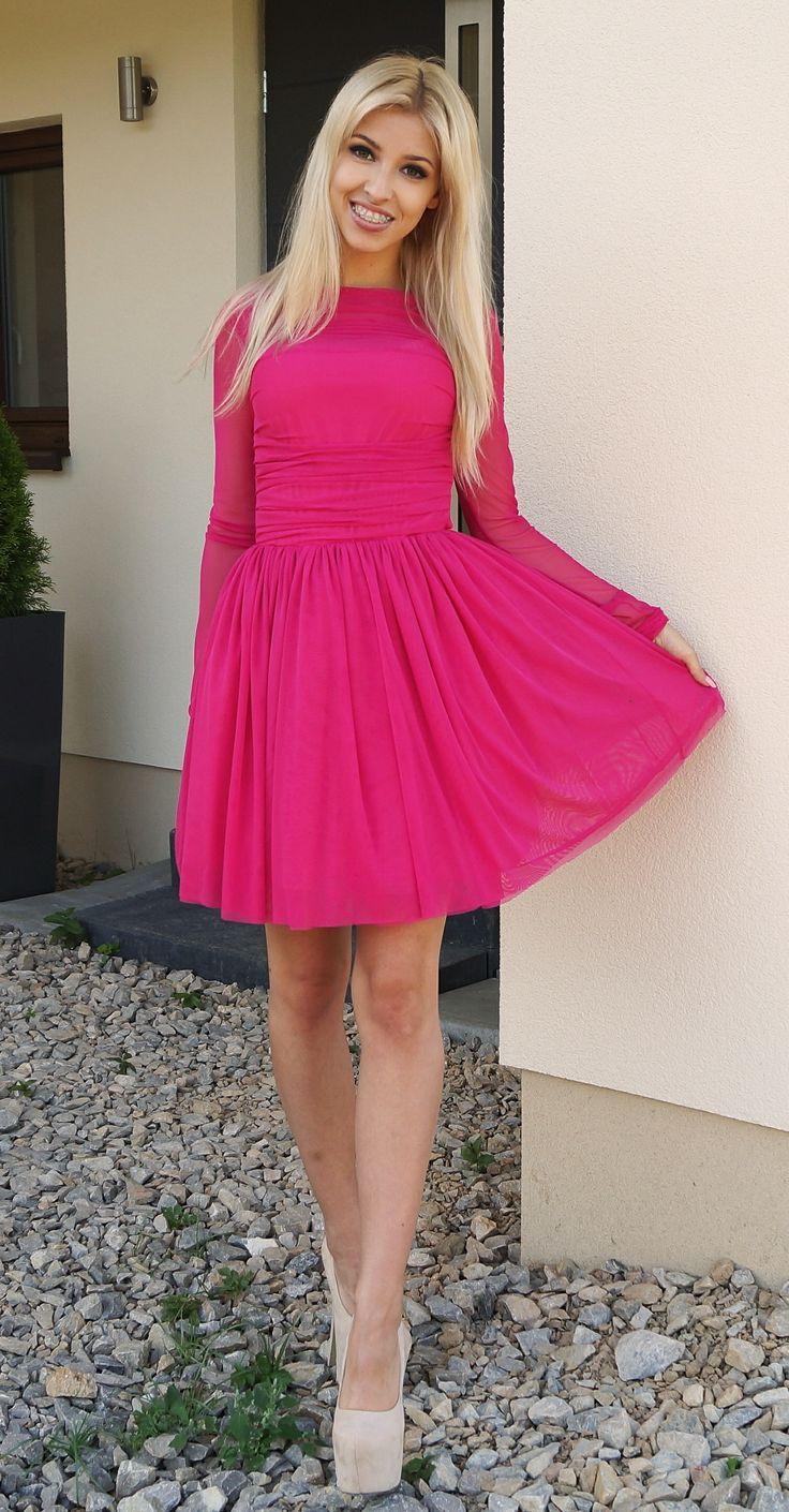 Tiulowa malinowa sukienka. 269 zł  Tulle dress