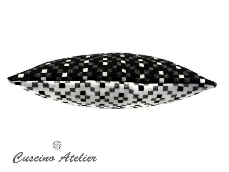 poduszka dekoracyjna  poduszka ozdobna Cuscino Atelier poduszka z wkładem poszewka flausz dwustronna