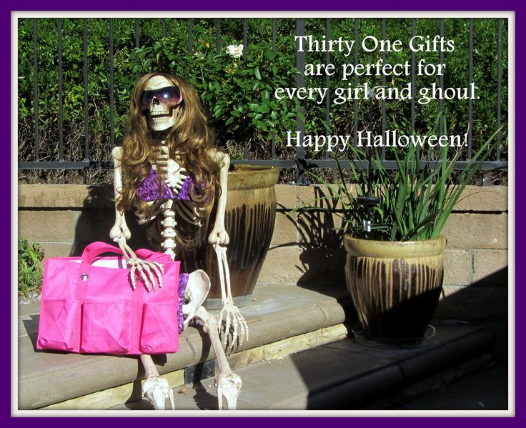 Thirty One Gift Products are the perfect choice for every girl and ghoul. Happy Halloween! #ThirtyOne #Halloween