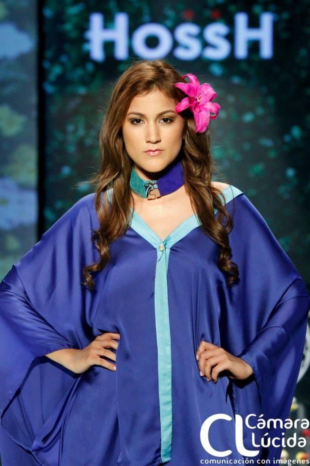 Gargantilla de cuero Alejandra Valdivieso accesorios para mujer
