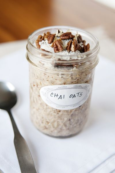 chai refrigerator oats.: Steel Cut Oats, Chai Steel Cut, Recipe, Chai Oatmeal, Overnight Chai, Steelcut Oats, Chai Oats, Almonds Milk, Overnight Oats