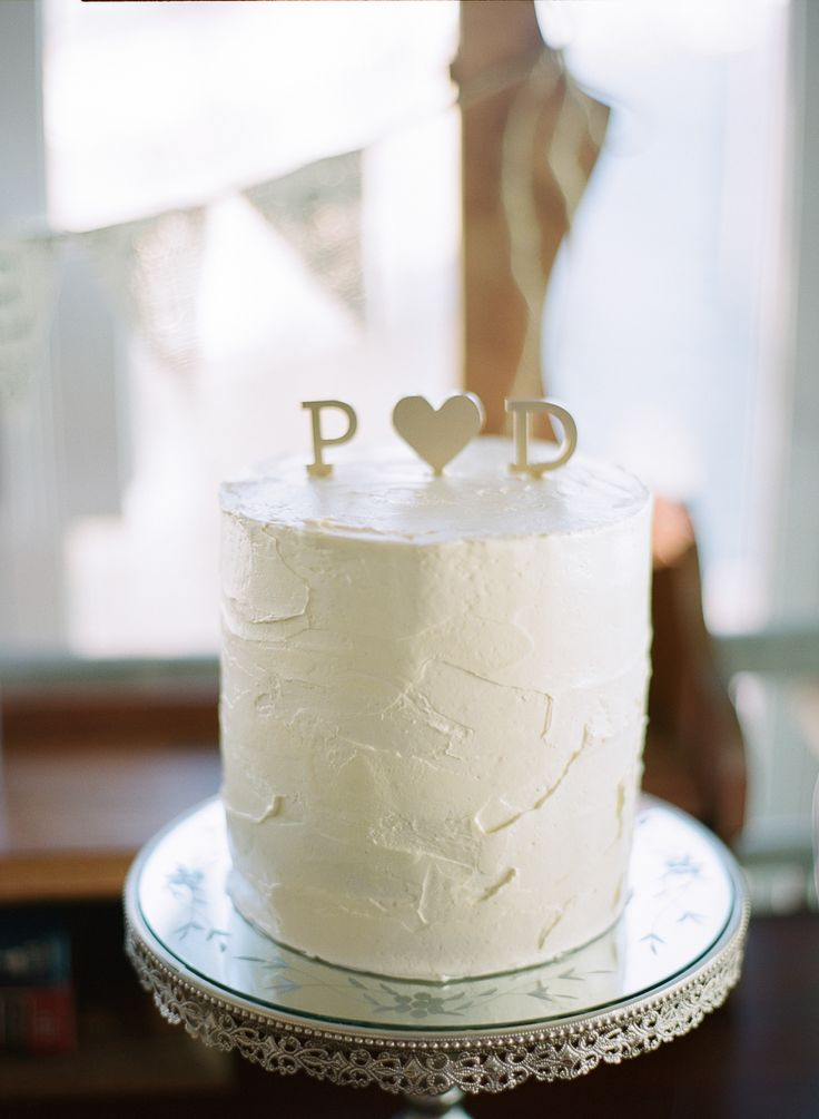 Photography: Angga Permana Photo www.anggapermanaphoto.com | Mint and Coral Wedding | https://www.fabmood.com/coral-and-mint-wedding/: #coral #wedding #mintwedding #summerwedding #weddingcake