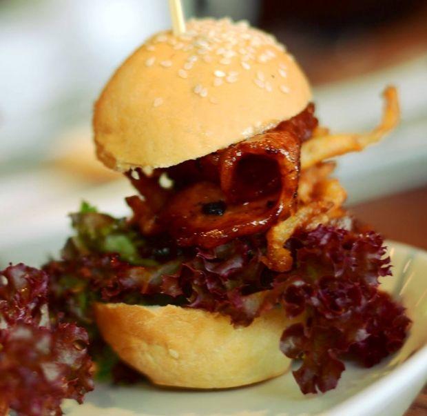 Dukes Burgers http://bit.ly/1Ahcbds #GeePeeShotLeft #Restaurant #Food #Johannesburg #VisitGauteng