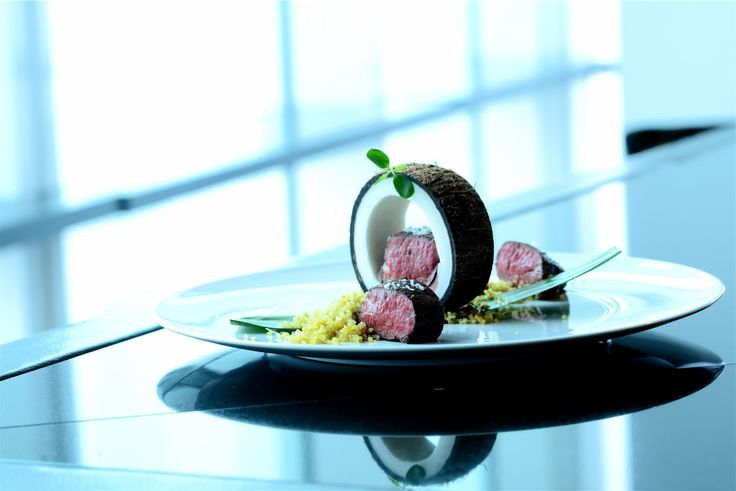 Jak to žije v Aureole | Bulldog's kitchen  více na www.bulldogskitchen.cz  #aureola #bulldogskitchen #bulldogskitchencz #svickova #tenderloin #sirloin #angus #blackangus #quinoa #truffle #frenchie #foodie #czechfoodie #czechfoodies #praguefoodie #foodblog #foodbloger #czechfood #foodlover #modern