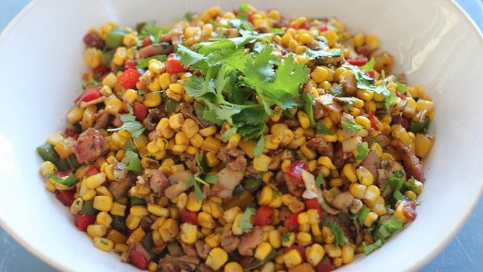 кукурузный теплый салат