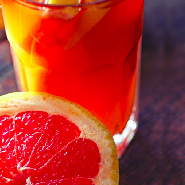 For a healthy #drink that tastes way better than a commercial diet #grapefruit soda, and is all natural, one has to look no further than this grapefruit soda #recipe.