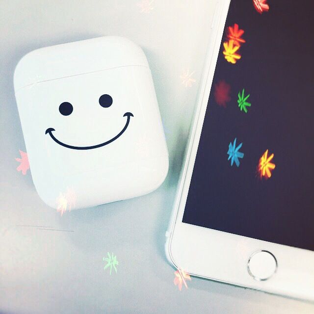 #airpods #iphone6 #iphone6s #apple #ios #白 #white #スマイル #smile #新作 #アート #シール #新商品 #4月下旬 #発売予定 #写真 #Photo #picture #シンプル #多重露光 #おしゃれ #かわいい #イメチェン