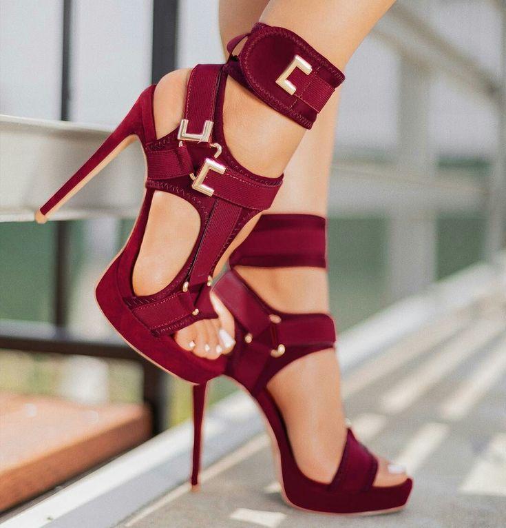 #Socken #Fußsohlen #Fußfetisch #Fußanbetung #Sohlen #f – Frauen Schuhe