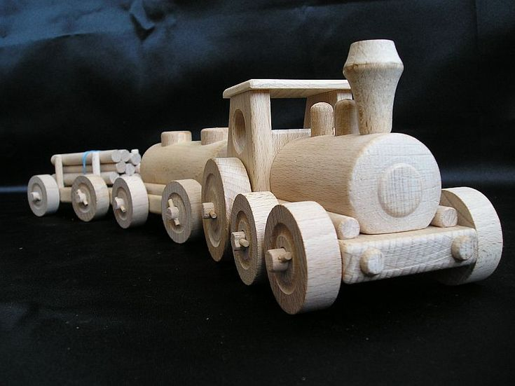 Dětský nákladní vláček ze dřeva, hračka pro kluky.