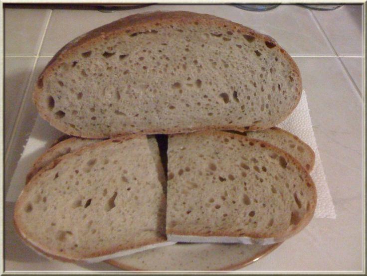 rozkrojený chléb kváskový