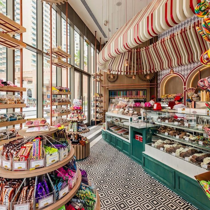 Nerds, Starburst, Swedish Fish, gobstoppers and chocolate gold coins… what are favorite childhood sweets? Retro Candy, Vintage Candy, Chocolate Shoppe, Hot Chocolate, Candy Store Design, Chocolate Gold Coins, Candy Bar Posters, Candy Factory, Old Fashioned Candy