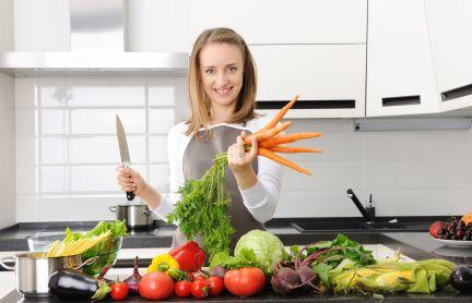Geroerbakte vegetarische reepjes met paksoi