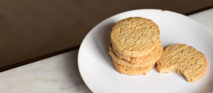 Suaves, especiadas, mantecosas, dulces y peligrosas (porque te puedes comer 20 sin darte cuenta). Así son estas galletas, perfectas para acompañar un té o un chocolate una tarde fría de invierno.