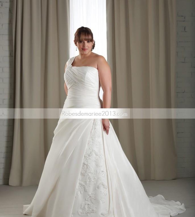 Elégante Bustier A-ligne asymétrique Longueur sol Chapelle Pick-ups Robe de mariée grande taille