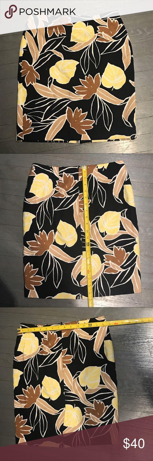 Ann Taylor Black Cotton Brown Leaf Pencil Skirt Ann Taylor Factory Black Cotton Brown and Yellow Leaf Floral Pencil Skirt Ann Taylor Skirts Pencil